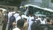 கர்நடக சட்டமன்றத்திற்கு வந்த அதிருப்தி காங்கிரஸ் எம்எல்ஏ-க்கள்.. நம்பிக்கை வாக்கெடுப்பு நடக்குமா?