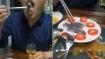 உயிரை குடித்து வரும் கொரோனா வைரஸ்.. உயிருடன் எலிகளை அப்படியே சாஸில் தோய்த்து சாப்பிடும் சீன இளைஞர்