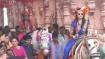 கல்யாணம் முடிஞ்சு மாமியார் வீட்டுக்கு மருமகள்கள்.. சாரி.. அக்கா தங்கை கொடுத்த மாஸ் என்ட்ரி!