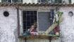 ஆசியாவின் மிகப்பெரிய குடிசை பகுதி, தாராவியில் வேகமாக பரவும் கொரோனா.. டாக்டருக்கும் பாதிப்பு