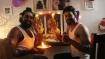 ஆபாச போட்டோக்களை வைத்து விஜயதசமி பூஜை.. அடங்காத 'முரட்டுகுத்து' டைரக்டர்..!