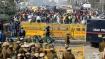 மத்திய பாஜக அரசுக்கு எதிராக கிளர்ச்சி- டெல்லியில் கடும் குளிரில் 5வது நாளாக விவசாயிகள் போராட்டம்