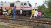 ரயில் மீது கல்வீசி தாக்குதல்.. பாமகவினர் 300 பேர் மீது தாம்பரம் ரயில்வே போலீஸ் வழக்குப் பதிவு