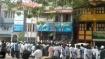 சென்னை மெரீனாவில் குவிந்ததோடு டாஸ்மாக் மதுபான கடைகளுக்கும் படையெடுத்த அதிமுக தொண்டர்கள்