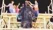 ராஜா முத்தையா செட்டியாரின் சிலையின் தலையில் கேக் வெட்டி மருத்துவர்கள் பிறந்தநாள் கொண்டாட்டம்