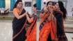 கையை பிடித்து செல்ல கடி..கொஞ்சும் பிரியா ராமன்.. ரசிக்கும் ரசிகர்கள்