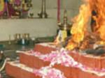 அரசியல்வாதிகளுக்காக பெண் சடலம் மீது அமர்ந்து பூஜை.... பெரம்பலூர் மந்திரவாதி மீது பாய்ந்தது குண்டாஸ்