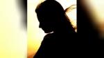 பெண் போலீஸ் புவனேஸ்வரி வீட்டில் கஞ்சா வியாபாரிக்கு என்ன வேலை... சஸ்பெண்ட்!