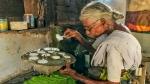 ஒரு இட்லி ஒரு ரூபாய்க்கு விற்கும் கமலாத்தாள் பாட்டிக்கு துணை ஜனாதிபதி வெங்கையா நாயுடு பாராட்டு