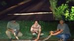 10 அடி நீளம்.. அது பாட்டுக்கு ஜாலியா நகர்ந்து போனது.. அலறியடித்து ஓடிய கடையம் மக்கள்!
