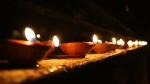 ஆட்சி பெற்ற சனியோடு சேர்ந்த உச்சம் பெற்ற செவ்வாய்- 9 மணிக்கு விளக்கேற்றினால் இவ்ளோ நன்மைகளா