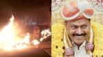 பெங்களூருவில் காங் எம்.எல்.ஏ. அகண்ட சீனிவாசமூர்த்தி வீடு மீது தாக்குதல்- வாகனங்கள் தீக்கிரை- பதற்றம்