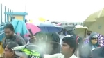 செம்பரம்பாக்கம் ஏரி திறப்பு.. அபாயத்தை உணராமல் கரைகளில் செல்பி எடுக்கும் மக்கள்!.. விரட்டும் போலீஸ்