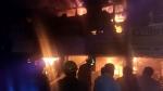 மதுரை டவுன்ஹால் ரோட்டில் மின்னணு கடைகளில் பயங்கர தீ விபத்து
