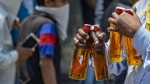 நாளை முதல் டாஸ்மாக் திறப்பு .. அதிக அளவில் மதுபானங்களை வழங்கக் கூடாது உள்பட 18 புதிய கட்டுப்பாடுகள்