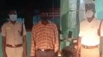 செல்போனில் சீரியல் பார்த்துக் கொண்டே பைக் ஓட்டி.. இன்னொரு வாகன ஓட்டி எடுத்த வீடியோவால் சிக்கிய நபர்