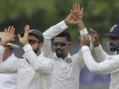 காலே டெஸ்ட் போட்டி: முதல் இன்னிங்சில் இலங்கையை 291 ரன்களில் ஆல் அவுட் செய்தது இந்தியா