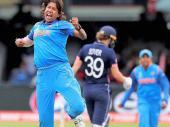 சபாஷ் வீராங்கனைகளே.. உலக கோப்பை பைனலில் இங்கிலாந்துக்கு மரண பயம் காட்டிய இந்தியா!