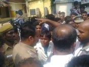 செங்கோட்டை: பள்ளி மாணவர்களுக்குள் மோதல்- 3 பேர் படுகாயம்