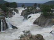 மேட்டூர் அணை நீர் மட்டம் 55.89 அடியாக உயர்வு: ஒகேனக்கல் அருவியில் வெள்ளம்