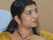 வாட்ஸ் ஆப் மூலம் பரவும் சரிதா நாயரின் ஆபாச வீடியோ!