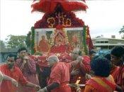 மேல்மருவத்தூர் கோவிலில் ஆடிப்பூரம் திருவிழா... கஞ்சிக்கலயம் சுமந்து பக்தர்கள் வழிபாடு