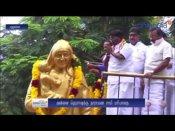 106வது பிறந்தநாள்... அன்னை தெரசா சிலைக்கு புதுவை முதல்வர் மாலை அணிவித்து மரியாதை