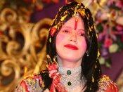 சும்மாவே பிக் பாஸுன்னா சர்ச்சையா கிடக்கும், இதுல ராதே மா வேறயா?