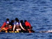 லிபியாவில் அகதிகளை ஏற்றிச் சென்ற 2 படகுகள் கடலில் கவிழ்ந்து விபத்து: 240 பேர் பலி