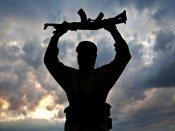 பதுங்கியிருந்து தாக்குதல் நடத்திய தீவிரவாதிகள்... உகாண்டாவில் 55 பேர் பலி