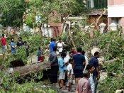 சென்னையை வதம் செய்த வர்தா... 5 நாட்களாக கரண்ட் இல்லை, தண்ணீர் இல்லை... பணமில்லை