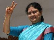 அதிமுக நிர்வாகிகளுடன் ஆலோசனைக்கூட்டம் முடிந்தது... நெக்ஸ்ட் டூர்தான் - சசிகலா முடிவு