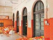 மகாத்மாவுக்கு நேர்ந்த கொடுமை... பாபா ராம்தேவின் பதஞ்சலி குடோனாக மாற்றப்பட்ட காந்தி நினைவகம்