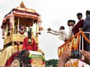 மைசூரில் பிரமாண்டமாக நடந்த தசரா விழா.. குலசையில் இன்று இரவு மகிஷாசுர சம்ஹாரம்.. குவியும் பக்தர்கள்
