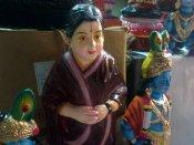 அப்துல் கலாம் முதல் அம்மா வரை... மயிலை மாட வீதிகளில் களை கட்டும் நவராத்திரி பொம்மைகள்