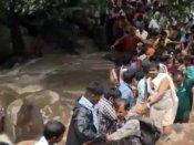 சதுரகிரி மலையில் காட்டாற்று வெள்ளம்... பக்தர்களுக்கு அனுமதி மறுப்பு!