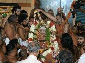 பாலாற்றங்கரையில் மகா பெரியவருக்கு அருகில் ஜெயேந்திரருக்கு சமாதி!