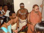 காஞ்சி சங்கரமடத்தின் 70வது மடாதிபதி பொறுப்பை தொடங்கிய விஜயேந்திரர்- சுந்தரேச ஐயர்