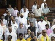 எம்.பி.க்கள் அமளி... 22 நாட்கள் செயல்படாமல் முடங்கிய நாடாளுமன்றம்... 250 மணி நேரங்கள் வீண்!