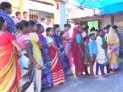 மேற்கு வங்கத்தில் உள்ளாட்சி தேர்தல்: பலத்த போலீஸ் பாதுகாப்புடன் தொடக்கம்