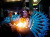 குலசேகரபட்டிணம் தசரா திருவிழா தொடங்கியது -  பக்தர்கள் காப்புகட்டி வேடமணிந்தனர்