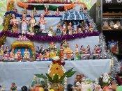 ஒன்இந்தியா தமிழ் வாசகர்கள் வீட்டு கொலு.. கோலாகல படங்கள்.. வாங்க, வந்து பாருங்க!