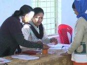சத்தீஸ்கர்: பலத்த பாதுகாப்புக்கு இடையே 72 தொகுதிகளுக்கான வாக்குப்பதிவு துவக்கம்