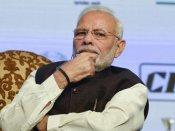 கஜா பாதித்த பகுதிகளை.. ஏன் திரும்பி கூட பார்க்காமல் இருக்கிறார் மோடி.. வறுத்தெடுக்கும் கட்சிகள்