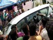 கஜா சேதத்தை பார்வையிட வந்த அமைச்சர்.. கொந்தளிப்பில் காரை அரிவாளால் தாக்கிய மக்கள்.. 6 பேர் கைது