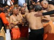 அட.. அட.. கேபினெட் மீட்டிங்கை கும்பமேளாவில் நடத்திய யோகி.. உ.பி வரலாற்றில் முதல்முறை!