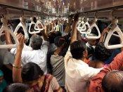 இன்றும் இலவசம்.. சென்னை மெட்ரோ ரயிலில் பயணிக்க முண்டியடிக்கும் கூட்டம்