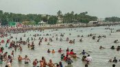 முன்னோர்களுக்கு தர்ப்பணம்... ஆடி அமாவாசையையொட்டி புனித நீர்நிலைகளில் வழிபாடு