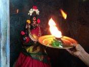 சோமவார பிரதோஷம் - நந்தி அபிஷேகத்திற்கு என்ன வாங்கிக்கொடுத்தால் என்ன பலன் தெரியுமா?