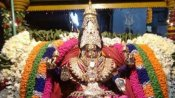 நவராத்திரி 2019: இன்று மகாலட்சுமியை பூஜிக்க கடன் தொல்லைகள் தீரும்